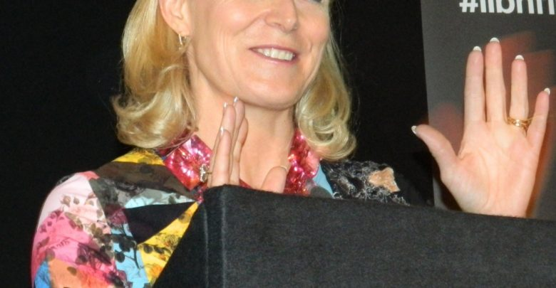 Who is Liz Shanahan? Bio: Wife, Husband, Net Worth, Son